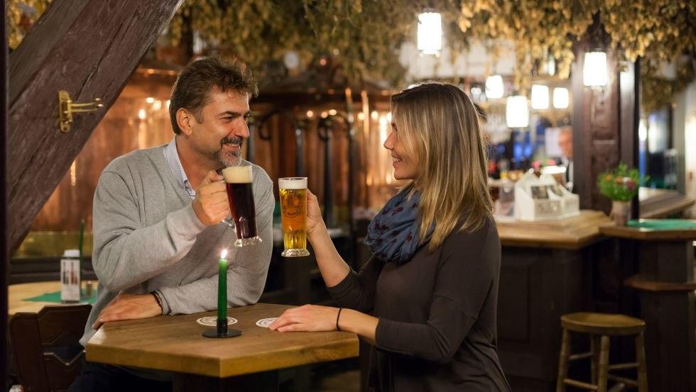 Paar im Brauhaus am Lohberg, © TZ Wismar, Alexander Rudolph
